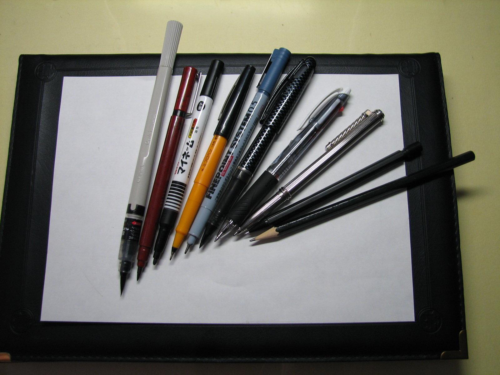 いろいろな筆記具イメージ
